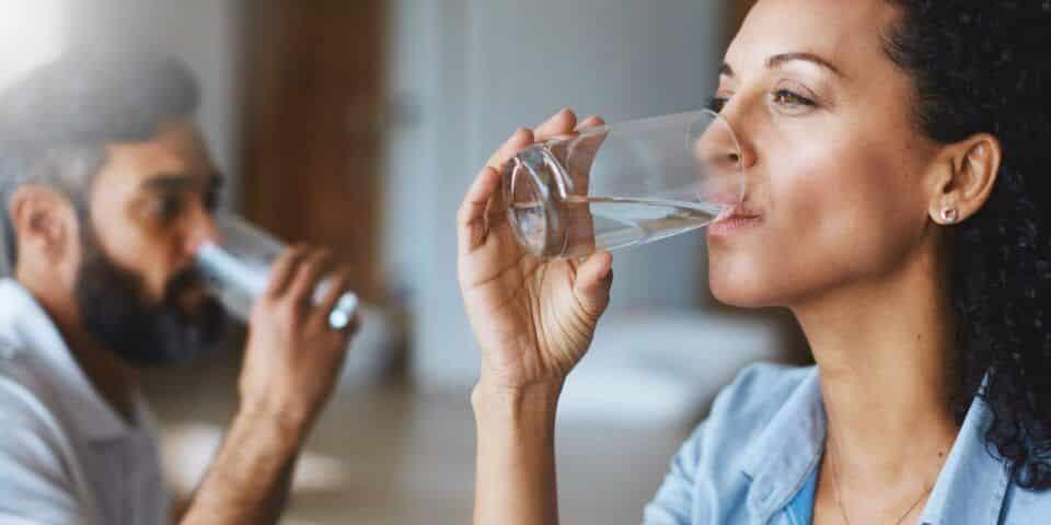 Hidratar o corpo – Quais as bebidas e os alimentos que hidratam