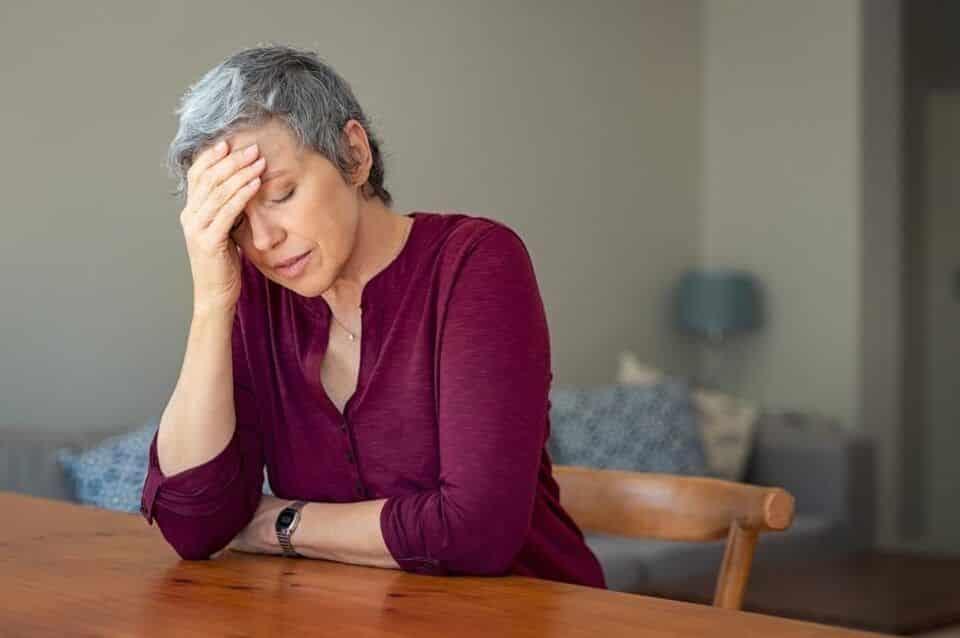 O que é menopausa? Sintomas, causas, tratamento e cuidados