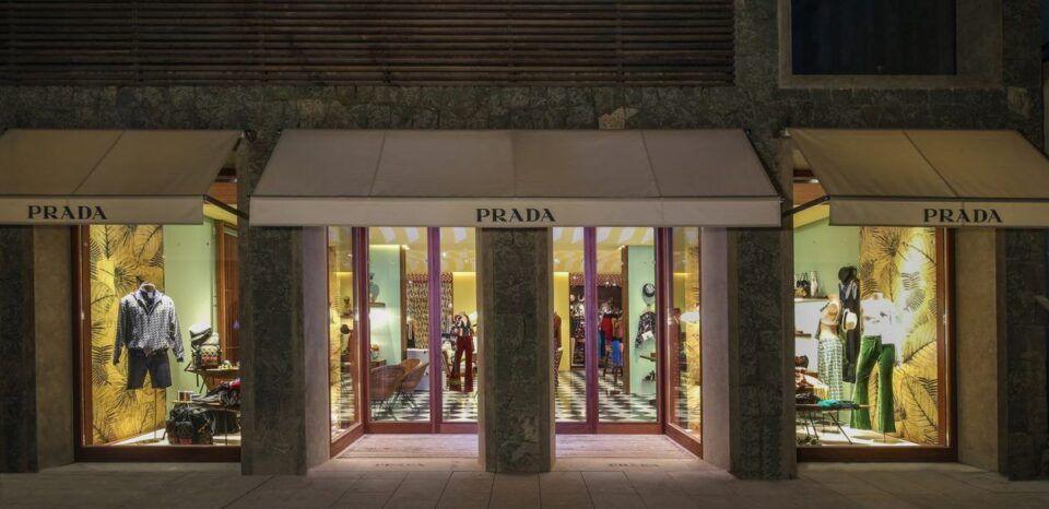 Prada – Origem, história na moda feminina e peças de luxo