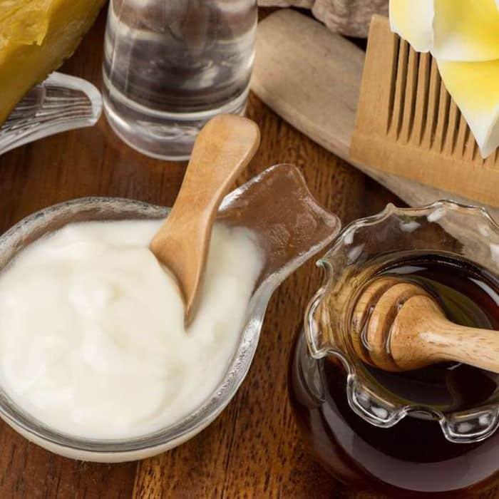 Benefícios do mel para a pele: receita de mel com óleo de coco