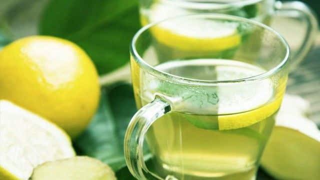 Suco de limão para unha amarelada por esmalte