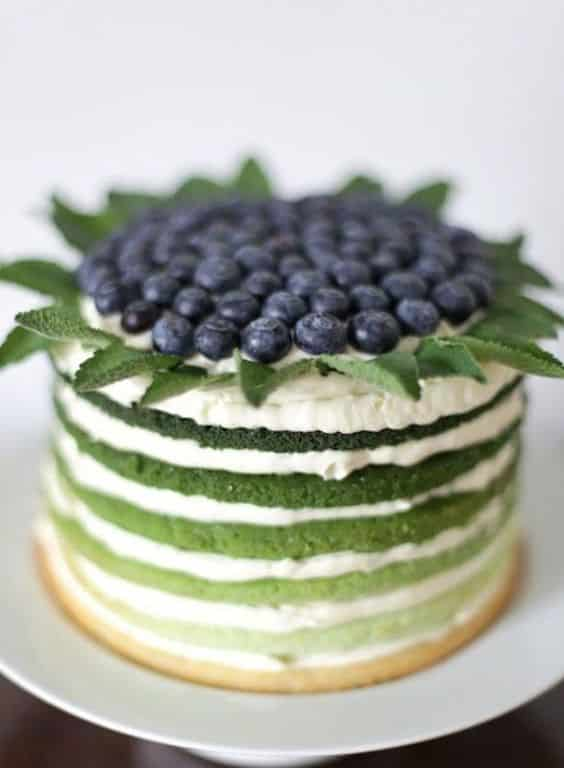 Como decorar a massa do bolo