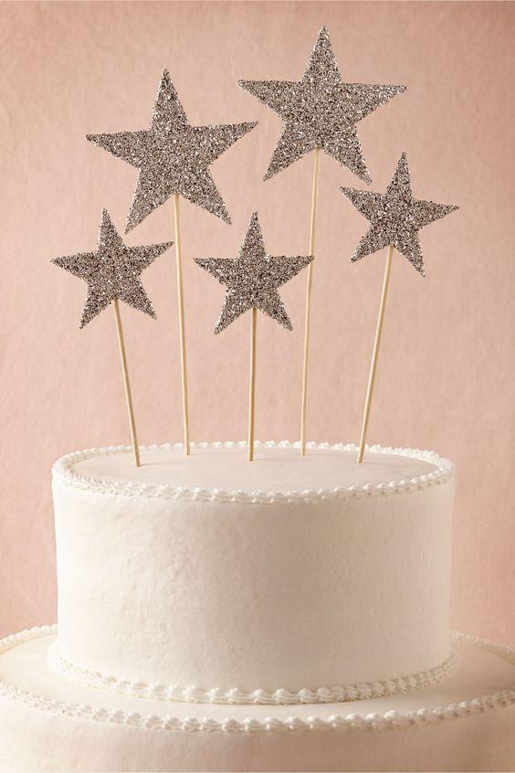 Como decorar com topos de bolo