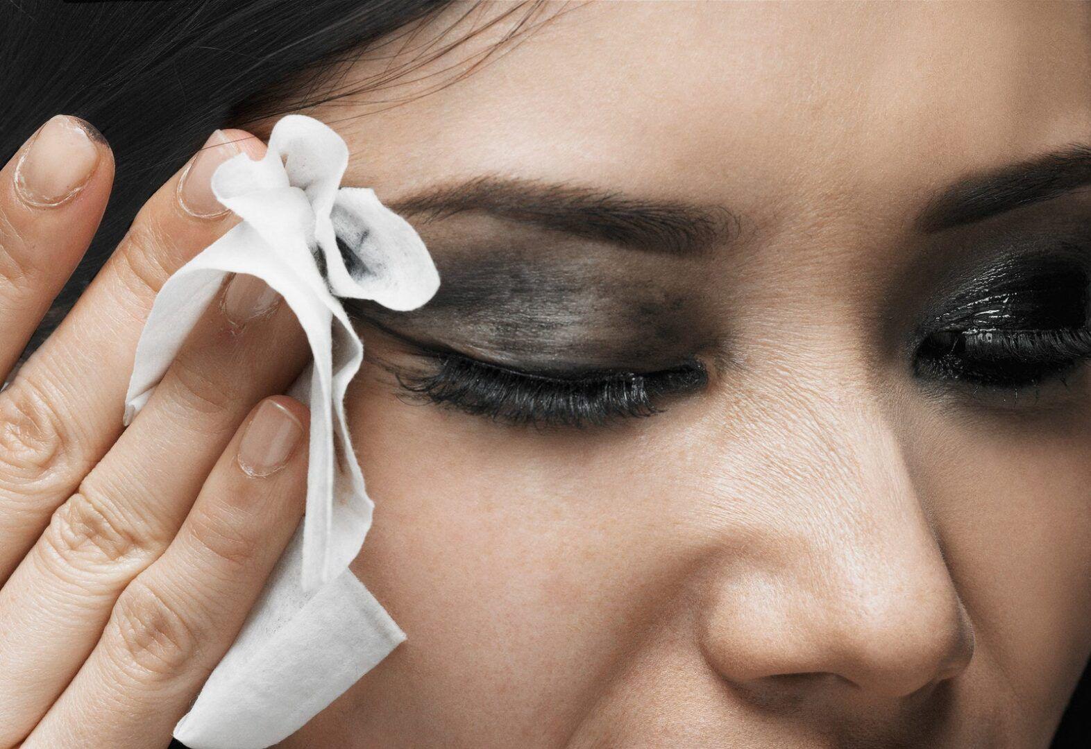 O que causa espinha na pele - limpeza incorreta da pele