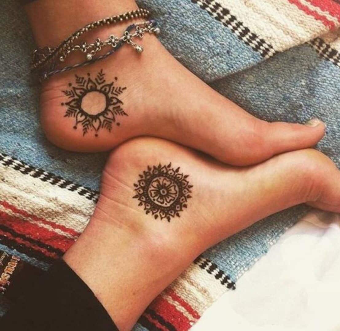 tatuagem de henna nos pés