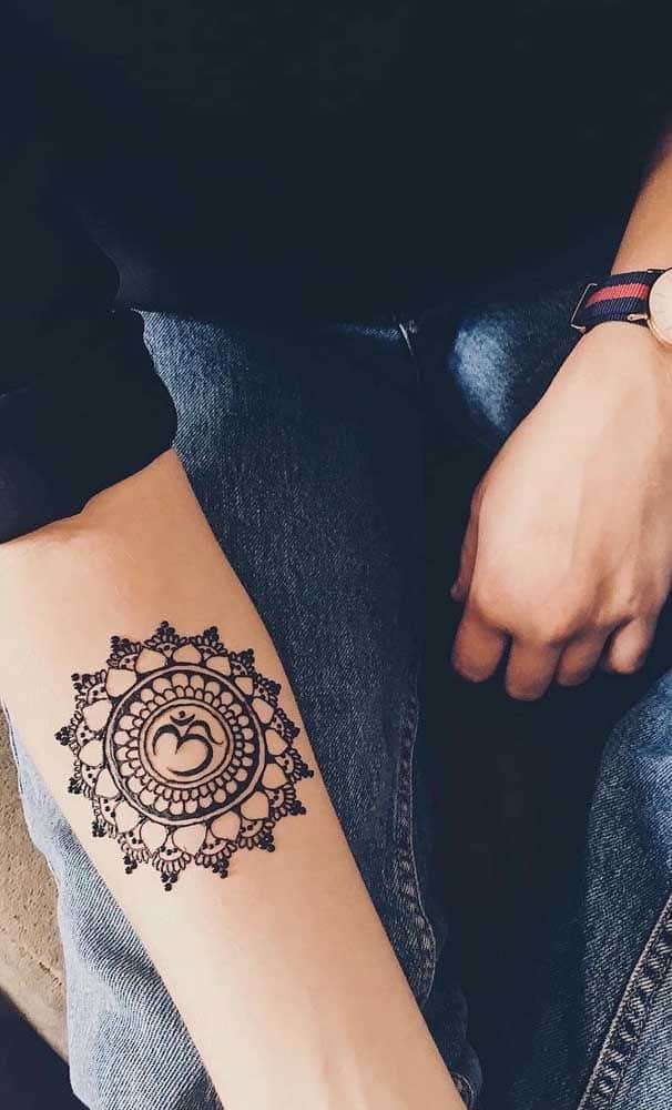 tatuagem de henna no antebraço
