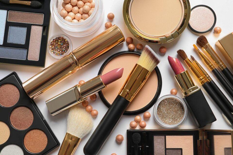 Chumbo em cosméticos – Riscos para a saúde e como identificar o metal