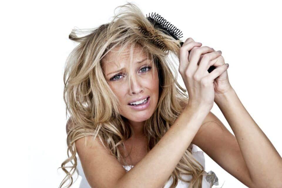 Como desembaraçar o cabelo – Truques para pentear os fios