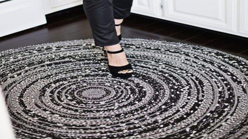 Como lavar tapete- métodos mais rápidos e melhores produtos