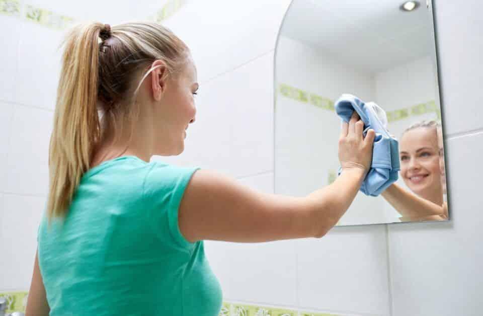 Como limpar espelho – O que não usar, passo a passo e dicas infalíveis
