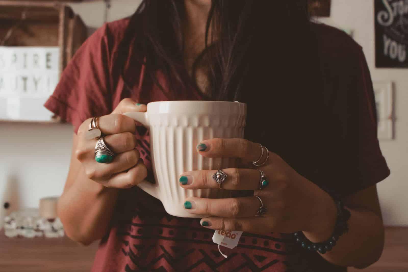 beneficios do cha de camomila para a saude e bem estar 4 - Beneficios del té de manzanilla para la salud y el bienestar