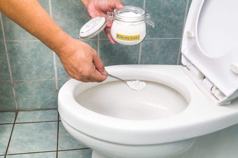 como desentupir vaso sanitario solucoes praticas para usar no dia a dia 3 960x640 - Cómo destapar la taza del inodoro: soluciones prácticas para el uso diario