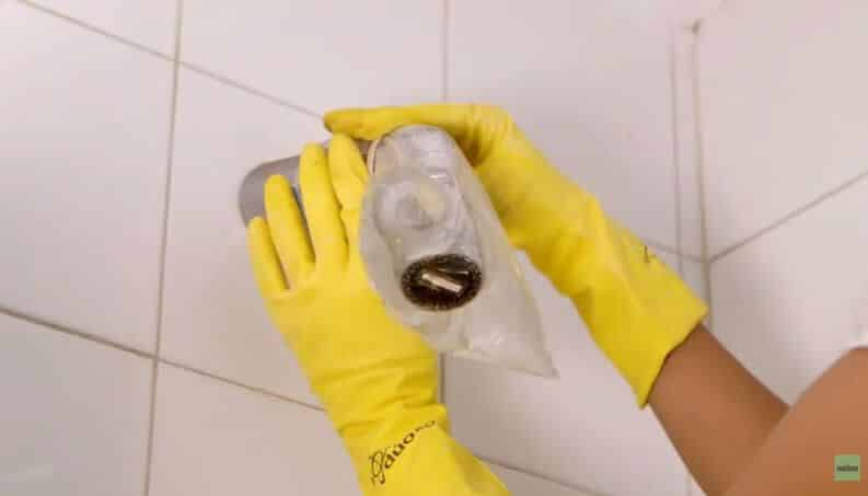 Como limpar chuveiro – Dicas fáceis e econômicas