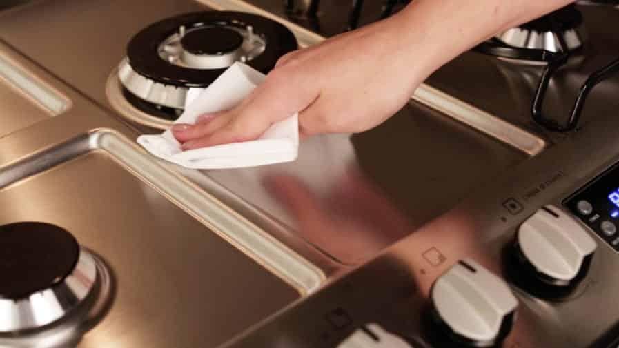 Como limpar fogão- Dicas rápidas e úteis para o seu dia a dia na cozinha