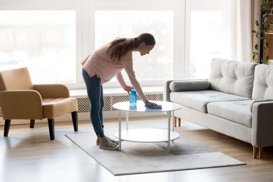 Como limpar mesa de vidro – Dicas de limpeza e conservação do móvel