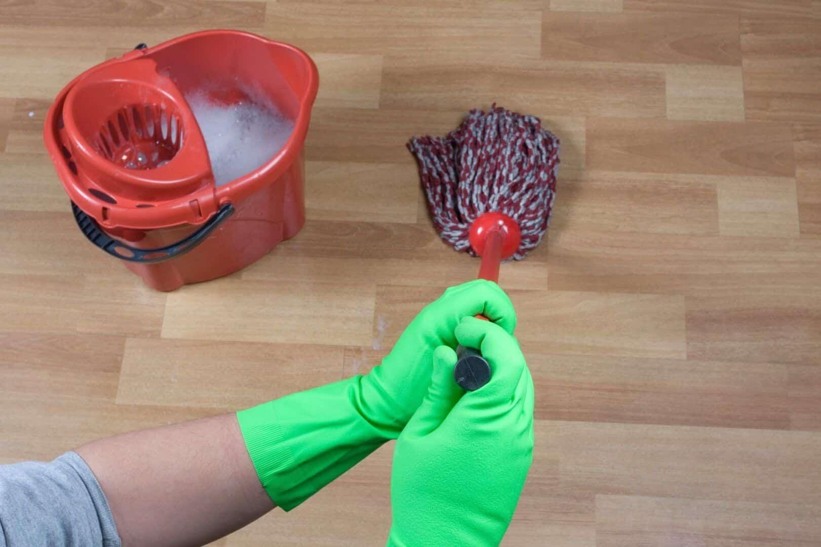como limpar piso laminado do jeito certo veja dicas 4 - ¿Cómo limpiar correctamente los suelos laminados?  Cuidados y consejos