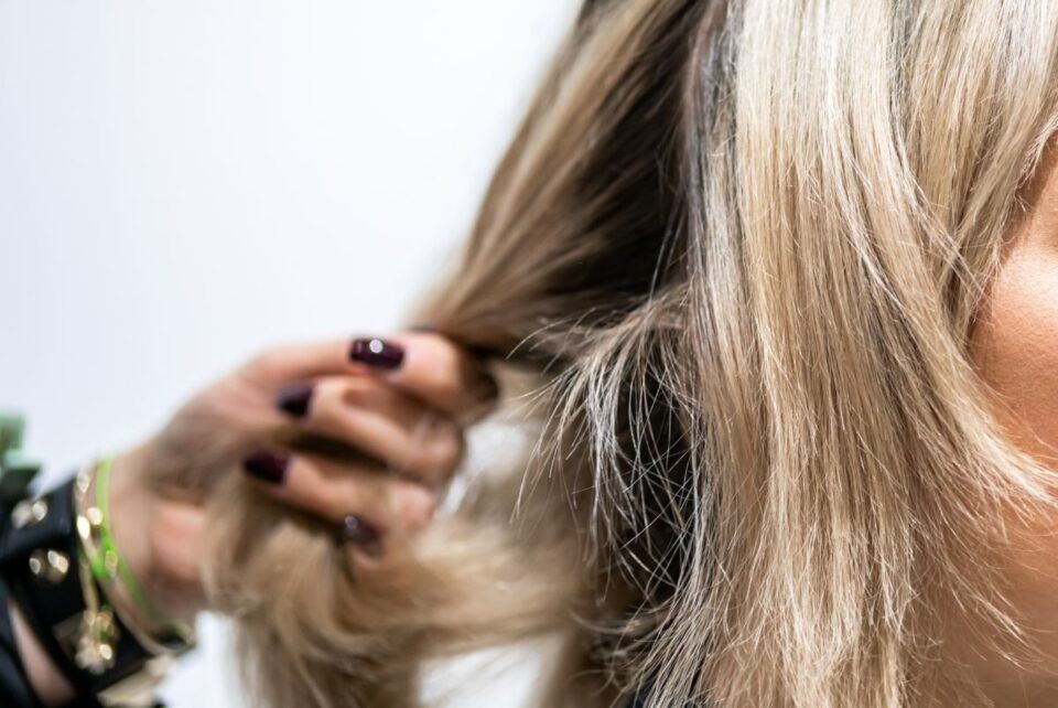 Como recuperar cabelo descolorido? 6 Dicas infalíveis