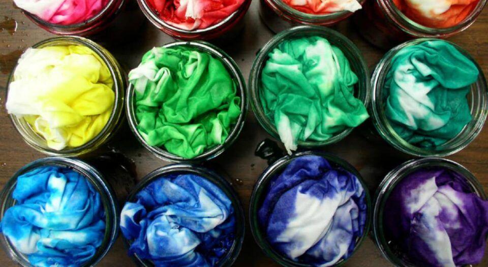 Como tirar manchas de água sanitária- Truques eficazes para suas roupas