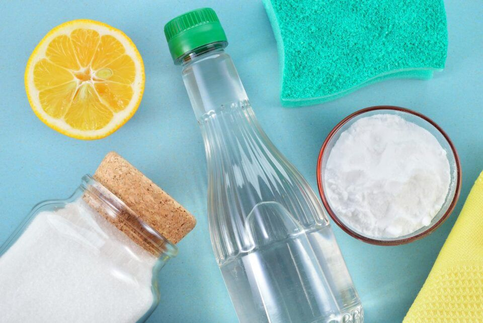 como tirar manchas de agua sanitaria truques eficazes para suas roupas 960x643 - Cómo quitar las manchas de lejía: consejos eficaces para la ropa