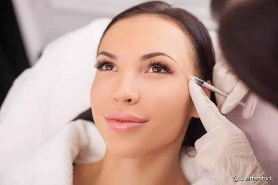 preenchimento de olheiras acido hialuronico2 960x640 - Relleno de ojeras - Rutina de cuidados + tendencias de tratamiento
