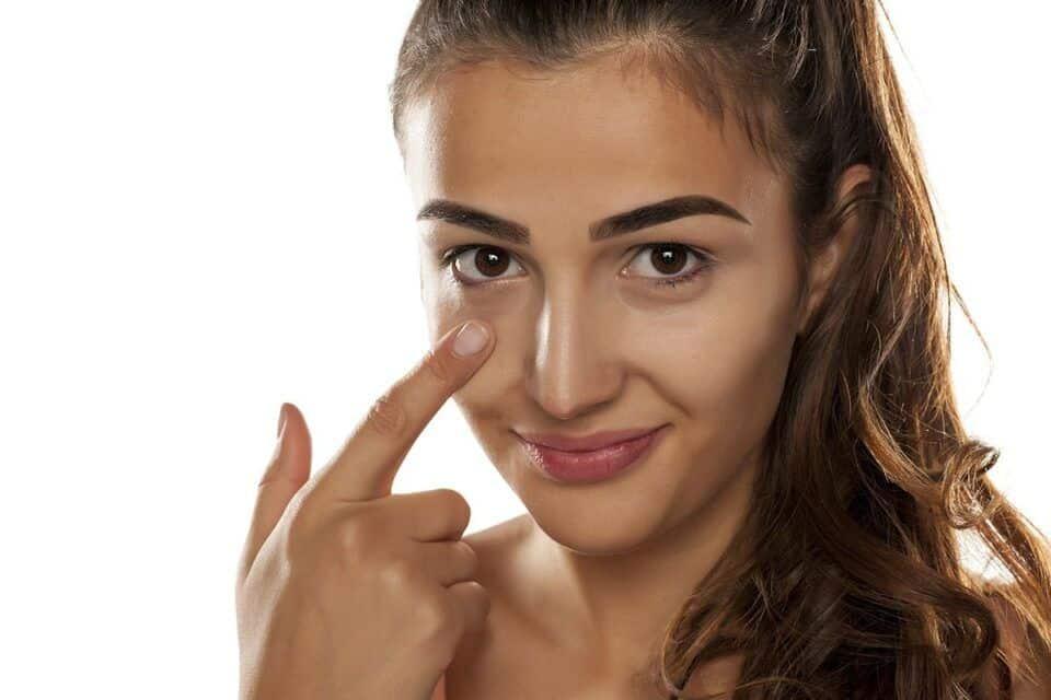 Preenchimento de olheiras – Rotina de cuidados + tendências de tratamento