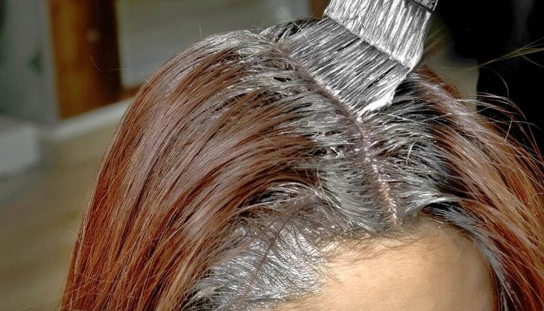 Retoque de raiz – Como retocar o cabelo em casa