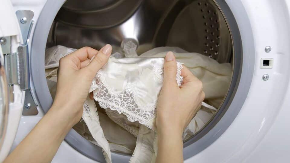 Roupas delicadas – Como lavar as peças sem estragar