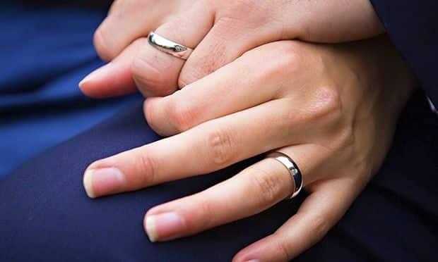 Aliança de namoro – Tipos e significados do anel de compromisso