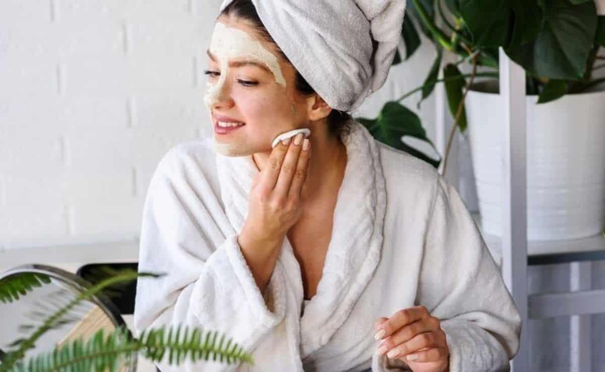 como tirar manchas do rosto ativos metodos caseiros e tratamentos 3 - Cómo eliminar las imperfecciones faciales: activos, métodos y tratamientos caseros