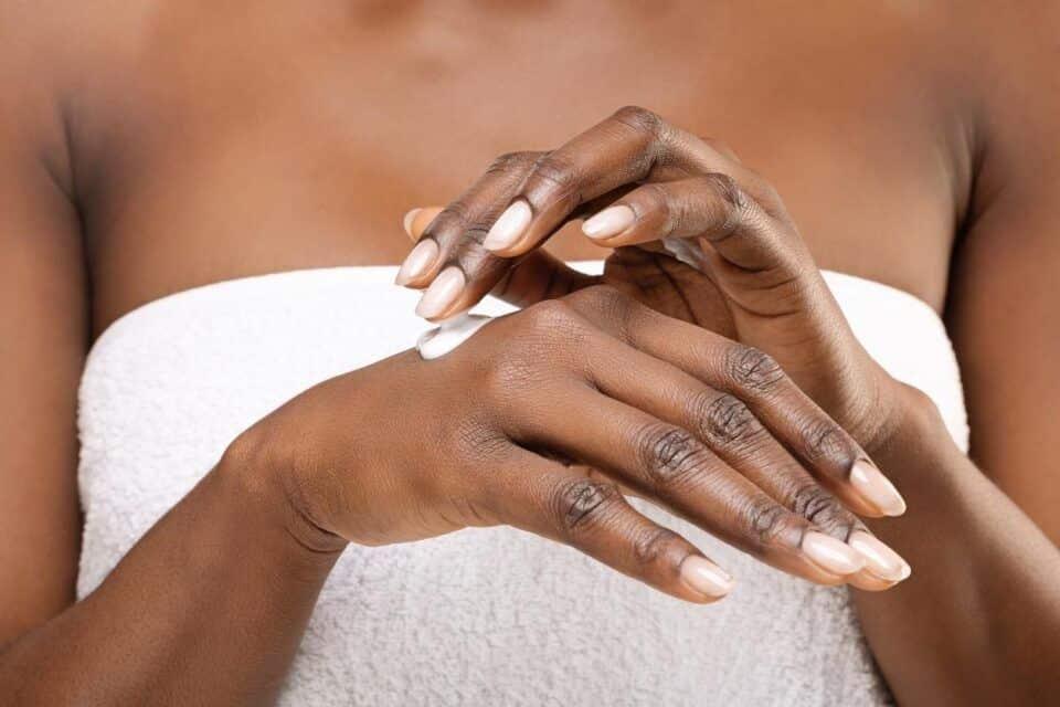 cuidados com a pele como montar uma rotina de cuidados ideal para voce 6 960x640 - Cuidado de la piel: tipos de piel, rutina de cuidado y productos ideales