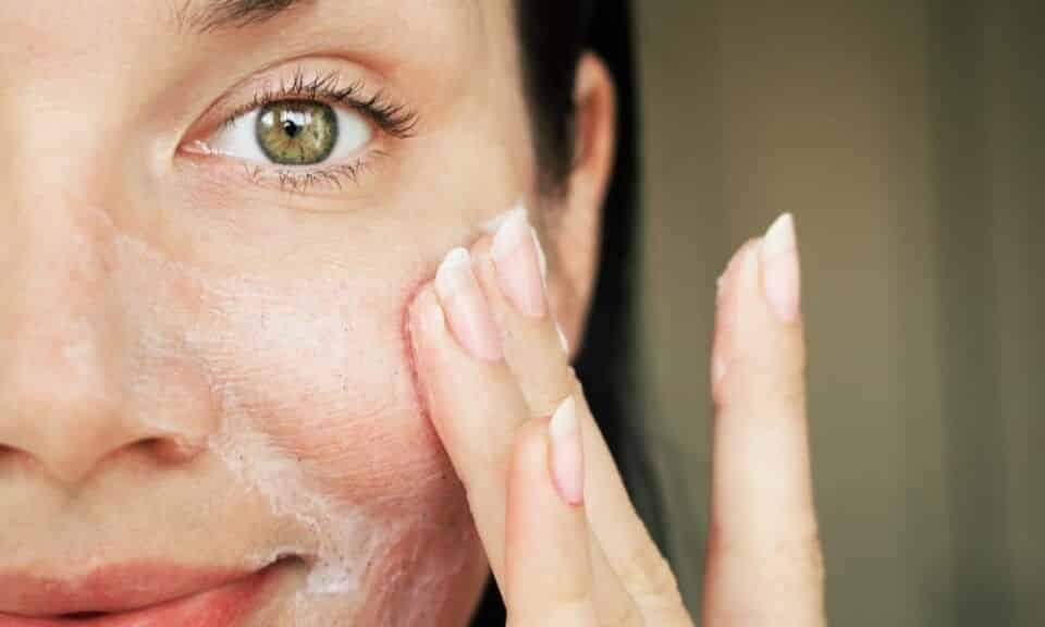Cuidados com a pele – Tipos de pele, rotina de cuidados e produtos ideais