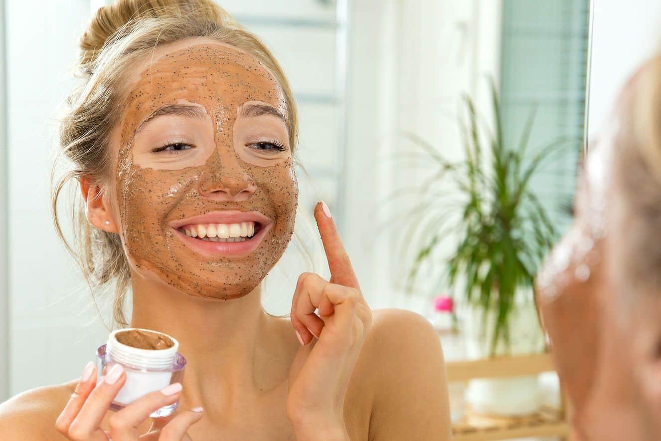 mascara facial o que e tipos como funciona beneficios e aplicacao 2 - Mascarillas, ¿qué son?  Tipos de mascarillas, beneficios y aplicación