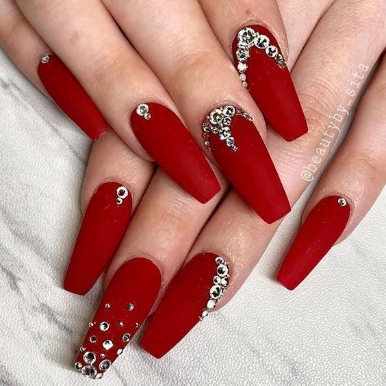 unhas vermelhas historia do esmalte vermelho 50 inspiracoes incriveis 15 - Uñas rojas - Historia del esmalte de uñas rojo + 50 inspiraciones increíbles
