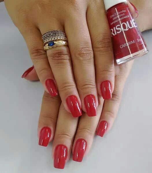 unhas vermelhas historia do esmalte vermelho 50 inspiracoes incriveis 30 - Uñas rojas - Historia del esmalte de uñas rojo + 50 inspiraciones increíbles
