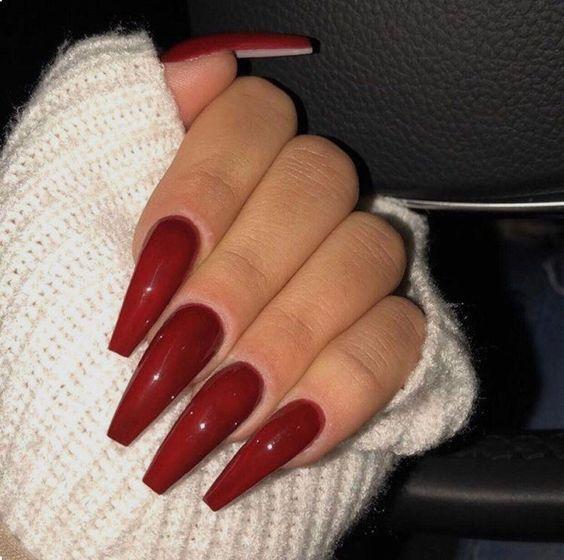 unhas vermelhas historia do esmalte vermelho 50 inspiracoes incriveis 34 - Uñas rojas - Historia del esmalte de uñas rojo + 50 inspiraciones increíbles