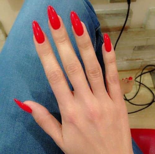 unhas vermelhas historia do esmalte vermelho 50 inspiracoes incriveis 36 - Uñas rojas - Historia del esmalte de uñas rojo + 50 inspiraciones increíbles