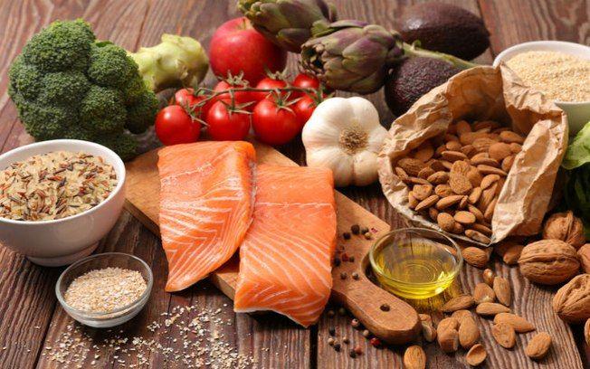Alimentos que ajudam na menopausa – Dicas e restrições