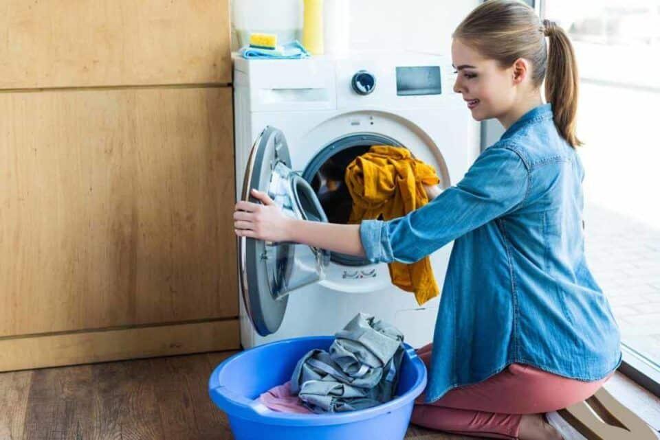 Como lavar roupa – Dicas de lavagem na máquina e na mão