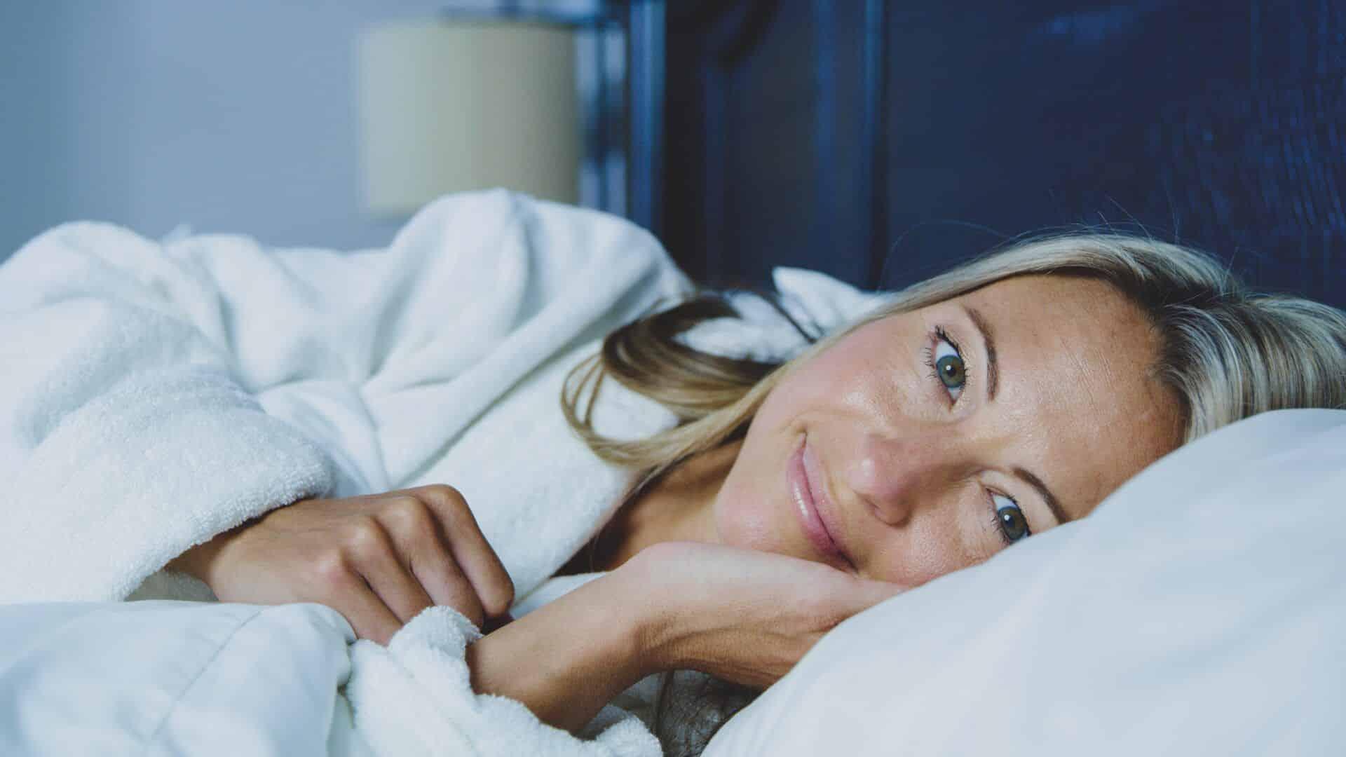 dormir bem pele saudável