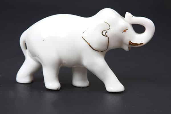 Elefante em miniatura para simpatia