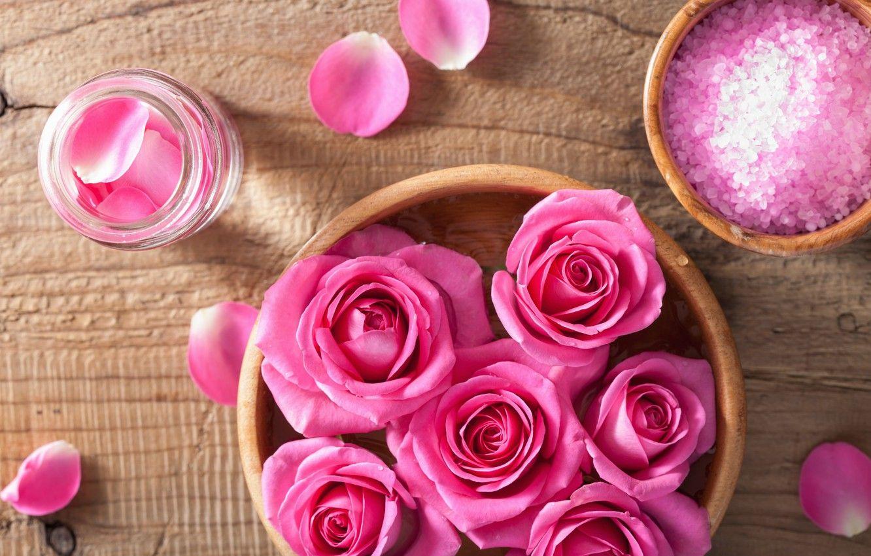 Simpatia com pétalas de rosa