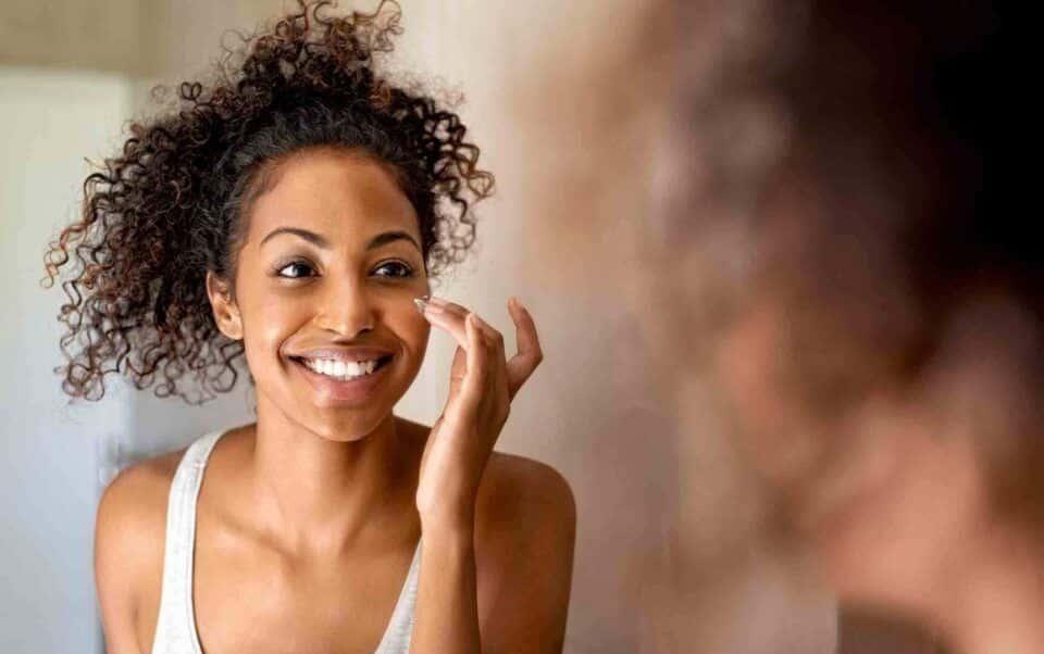 Benefícios do ácido hialurônico para a pele + como aplicá-lo