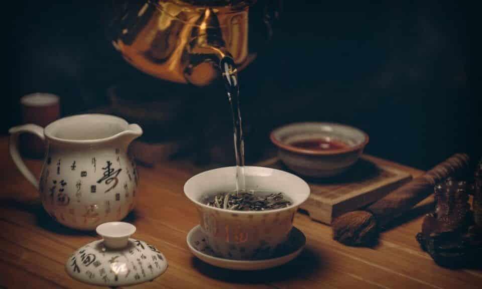 Chás para dormir – Melhores ervas para ajudar no sono