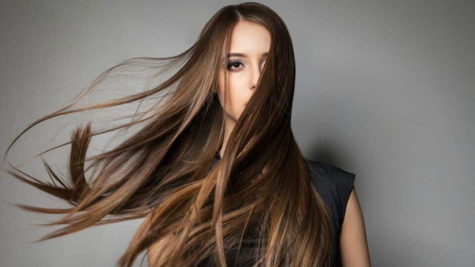 Mega hair – Principais tipos, como cuidar + diferenças do aplique