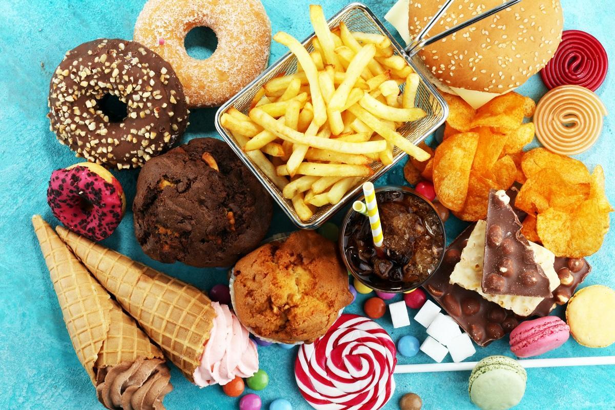 Alimentos que aceleram o envelhecimento - quais são e porque evitar