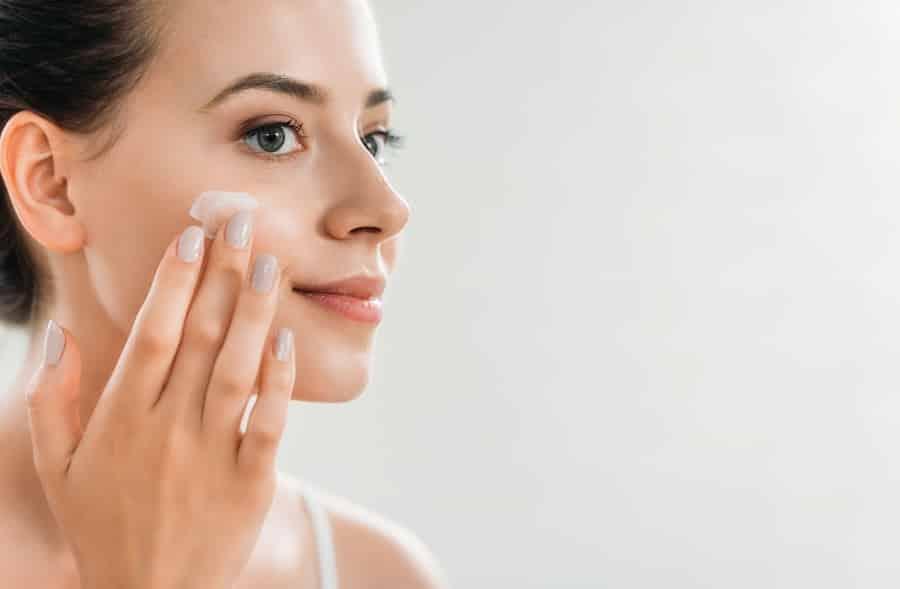 Massagem facial – Benefícios + aprenda como fazer em casa