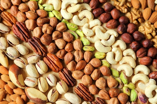 O que comer na menopausa - alimentos para incluir ou evitar na dieta