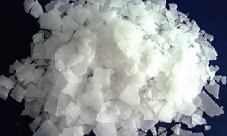 Soda cáustica pode ser usada para desentupir canos?