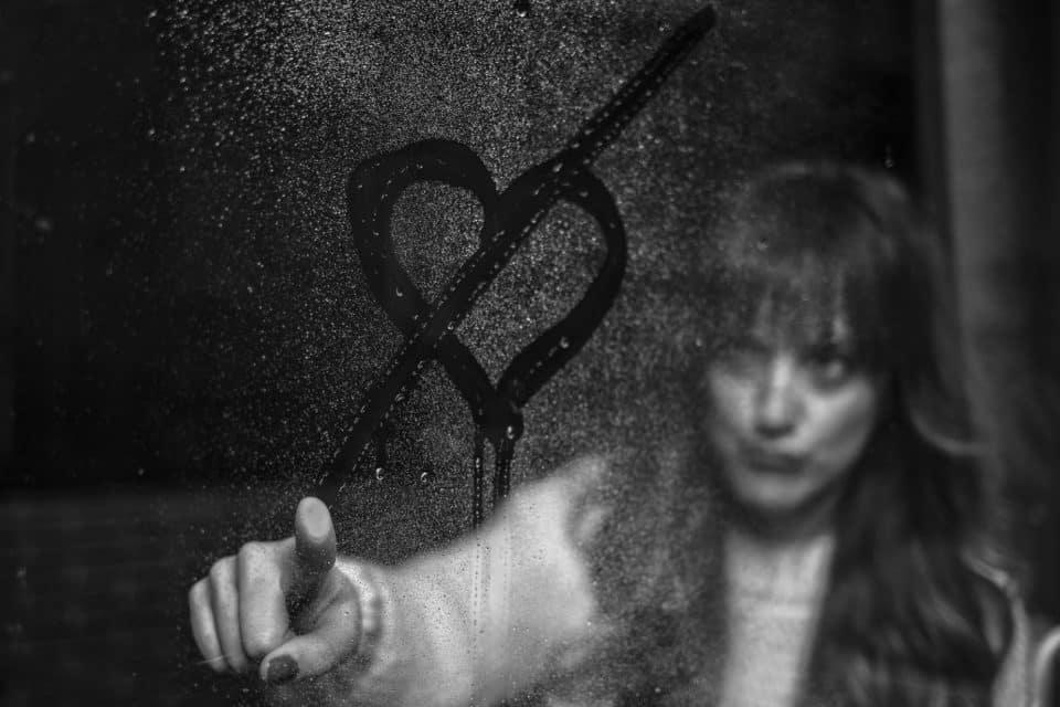 O que é relacionamento abusivo? Como identificar e o que fazer